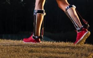 Экзоскелетные ботинки облегчают ходьбу