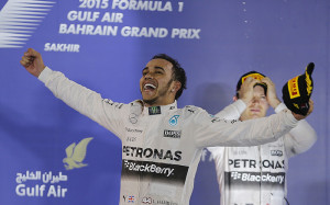 Льюис Хэмилтон выиграл Гран-при Бахрейна