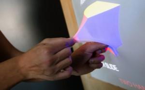 Новая фантастическая технология  позволяет вытягивать изображение за пределы экрана