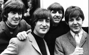 На аукционе появится первый контракт группы «The Beatles»