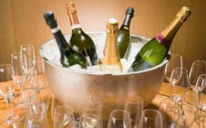 Британские ученые выяснили, можно ли считать шампанское полезным напитком для нашего организма