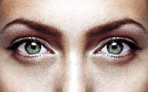 Ученые рассказали, что будет, если слишком долго смотреть в глаза другому человеку