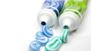 Чем поможет современная зубная паста?