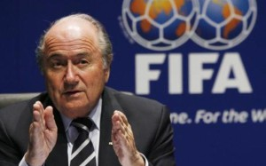 Блаттер обвинил Платини в кризисе в ФИФА
