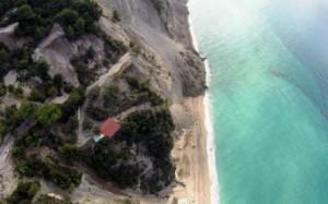 Землетрясение уничтожило один из лучших пляжей Греции