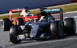 Хэмилтон и «Мерседес» начинают защиту титулов чемпионов «Формулы-1»