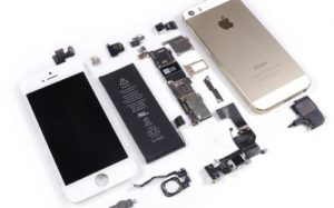 Особенности услуг компании «Apple-mario»: ремонтируем айфон дома