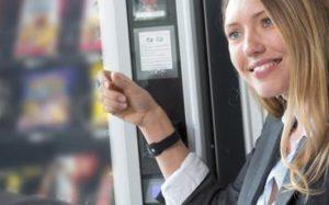 Visa представит браслеты для бесконтактных платежей на конкурсе «Евровидение»