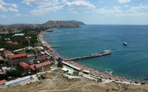 Отели Крыма и Сочи переполнены