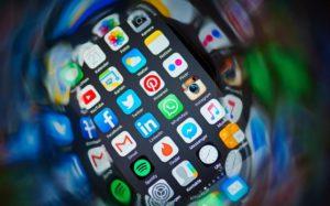 ФАС завела дело на Apple из-за цен на iPhone 6