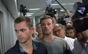 Пловцы Бенц и Конгер получили разрешение покинуть Бразилию после дачи показаний