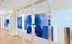 Разноцветные специальные аппликации из пленки ПВХ – уникальные украшения для стен