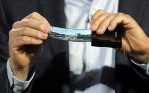 Samsung запатентовала технологию производства гнущихся OLED-дисплеев