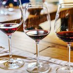 Ученые установили, какой компонент красного вина замедляет старение мозга