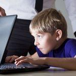 Кремль хочет запретить соцсети детям до 14