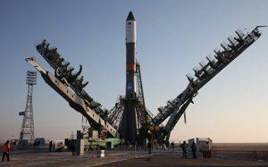 На стартовой площадке Байконура установили ракету «Союз МС-04»