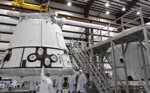 Компания SpaceX перенесла запуск корабля Dragon из-за плохой погоды