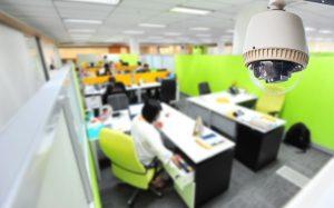 Установка камеры видеонаблюдения в офис