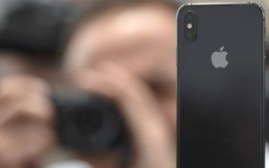 Сотрудника Apple уволили из-за видео дочери про iPhone X