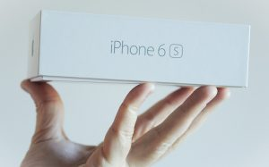 В России резко упала цена на iPhone 6S Plus