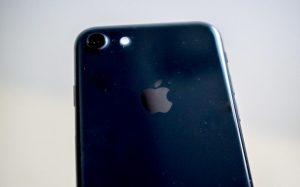 СМИ узнали о планах Apple выпустить три новые модели iPhone в 2018 году