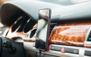 Праздник у автомобилиста – какой подарок лучше выбрать?