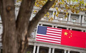 Трамп объявил о введении многомиллиардных пошлин на товары из Китая