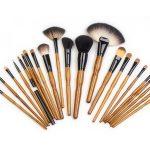 Кисти и аксессуары для макияжа – что необходимо?