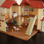 Кукольный домик от интернет-магазина babyvil.ru - долго не будет ломаться