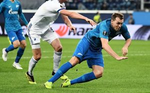 Маков цвет: «Зенит» вышел в плей-офф Лиги Европы с первого места в группе