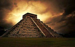 В Мексике обнаружили пещеру с сотнями артефактов цивилизации майя