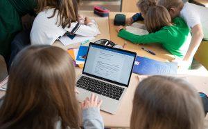 Apple уличили в удалении приложений с опцией «родительского контроля»