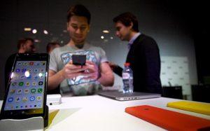Трубка не зовет: смартфон «Яндекса» не нашел покупателей