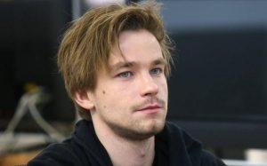 Петров сообщил о желании сделать перерыв в съемках