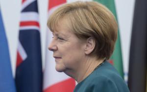 Меркель подтвердила введение новых санкций против России