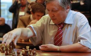 Анатолий Карпов пообещал открыть шахматную школу в Крыму
