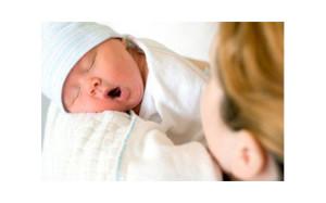 Педиатры призывают делать новорожденным инъекции витамина К в первые часы жизни