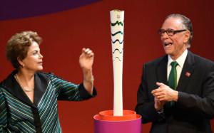 В Бразилии представили Олимпийский факел Игр-2016