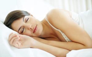 «Неправильная» подушка лишит красоты и здоровья, предупреждают врачи