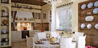 Кухни в загородном доме