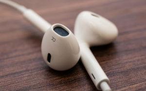 Apple совершила революцию в наушниках