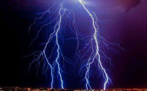 Российский ученый раскрыл тайну происхождения молнии
