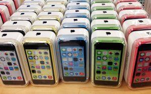 Apple прекратит продажи iPhone 5S в России к концу 2017 года