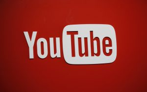 YouTube усилит борьбу с размещением недостоверной информации