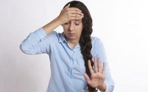 Названа главная причина мигрени у женщин