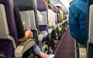 Стюардессы рассказали неприятную правду о гигиене в самолетах