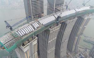 В Китае построили первый в мире «горизонтальный небоскреб»