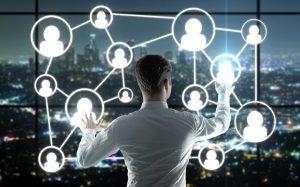 Опрос: шесть из десяти работодателей России ищут сотрудников в соцсетях