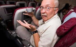 Самое грязное место в самолете легко определить с помощью обычной салфетки