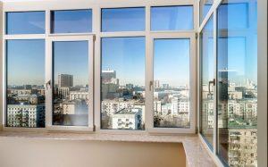 Какой тип остекления следует выбирать для балконов и лоджий от компании «ОКНА PLAST+»?